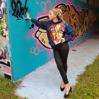 donkerblauwe-kunst-hoodie-schilderij.jpg