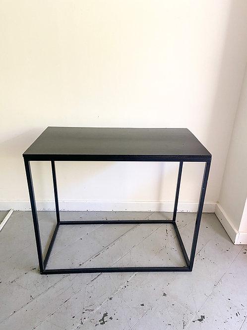 Mesa cubo preto 95(L)x50(P)x80(A)