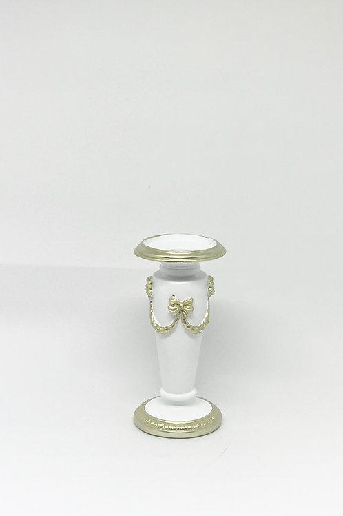 Castiçal branco e dourado P