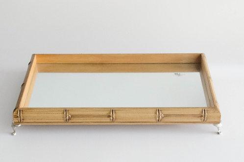 Bandeja retangular Bambu com pé prata