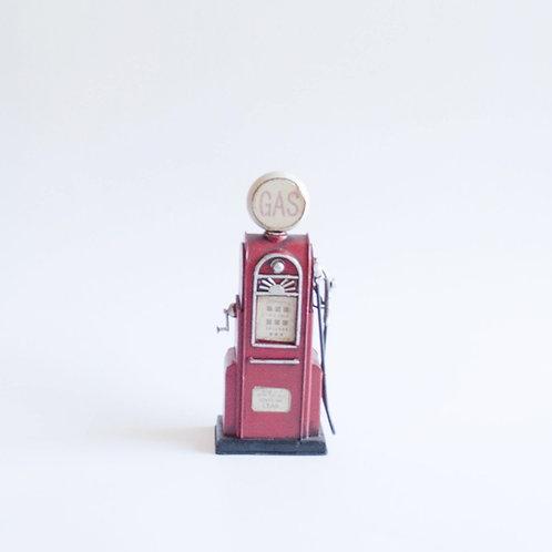 Bomba de gasolina M vermelha