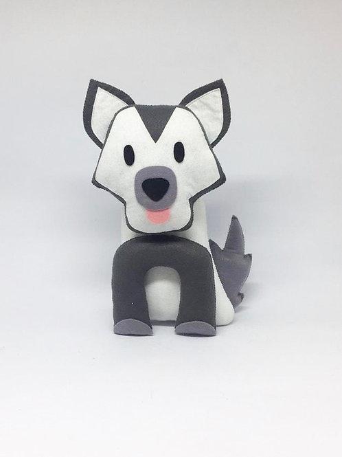 Cachorro branco e cinza feltro