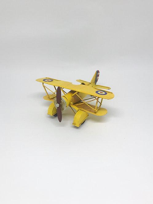 Avião P amarelo