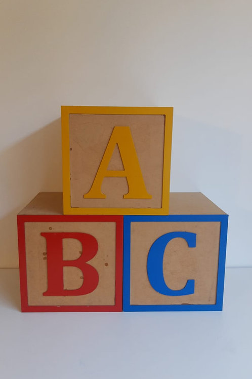 Trio cubos ABC