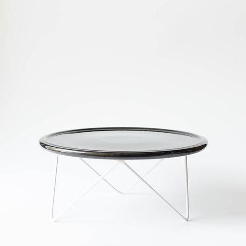 Prato Disco preto suporte baixo branco