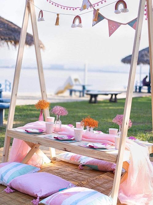 Mesa picnic baixa com arara