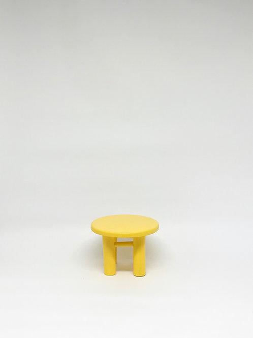 Banco Poli amarelo