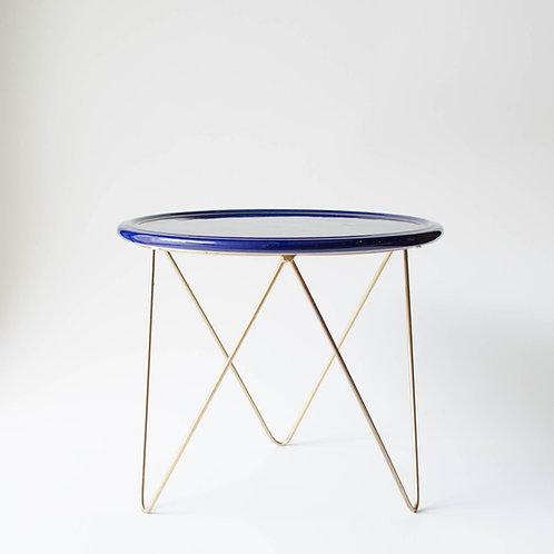 Prato Disco azul marinho suporte alto dourado