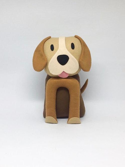 Cachorro marrom feltro