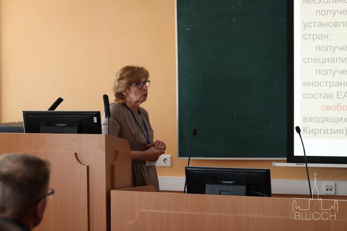 Докладчик О.Д. Воробьёва.jpg
