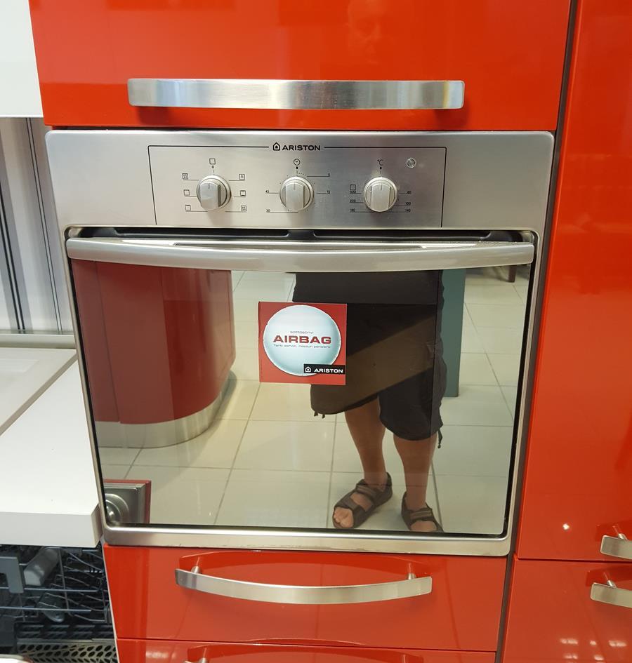 2/12) Cucina Prodomo laccata rossa