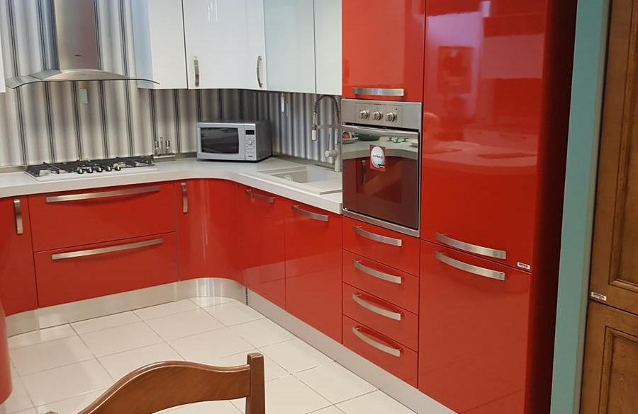 1/12) Cucina Prodomo laccata rossa