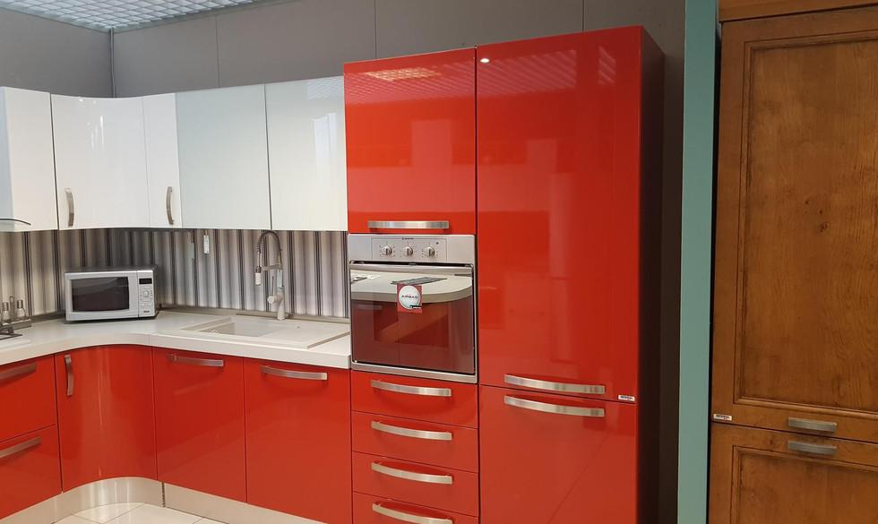 6/12) Cucina Prodomo laccata rossa