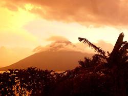 Vulkane rings um den See