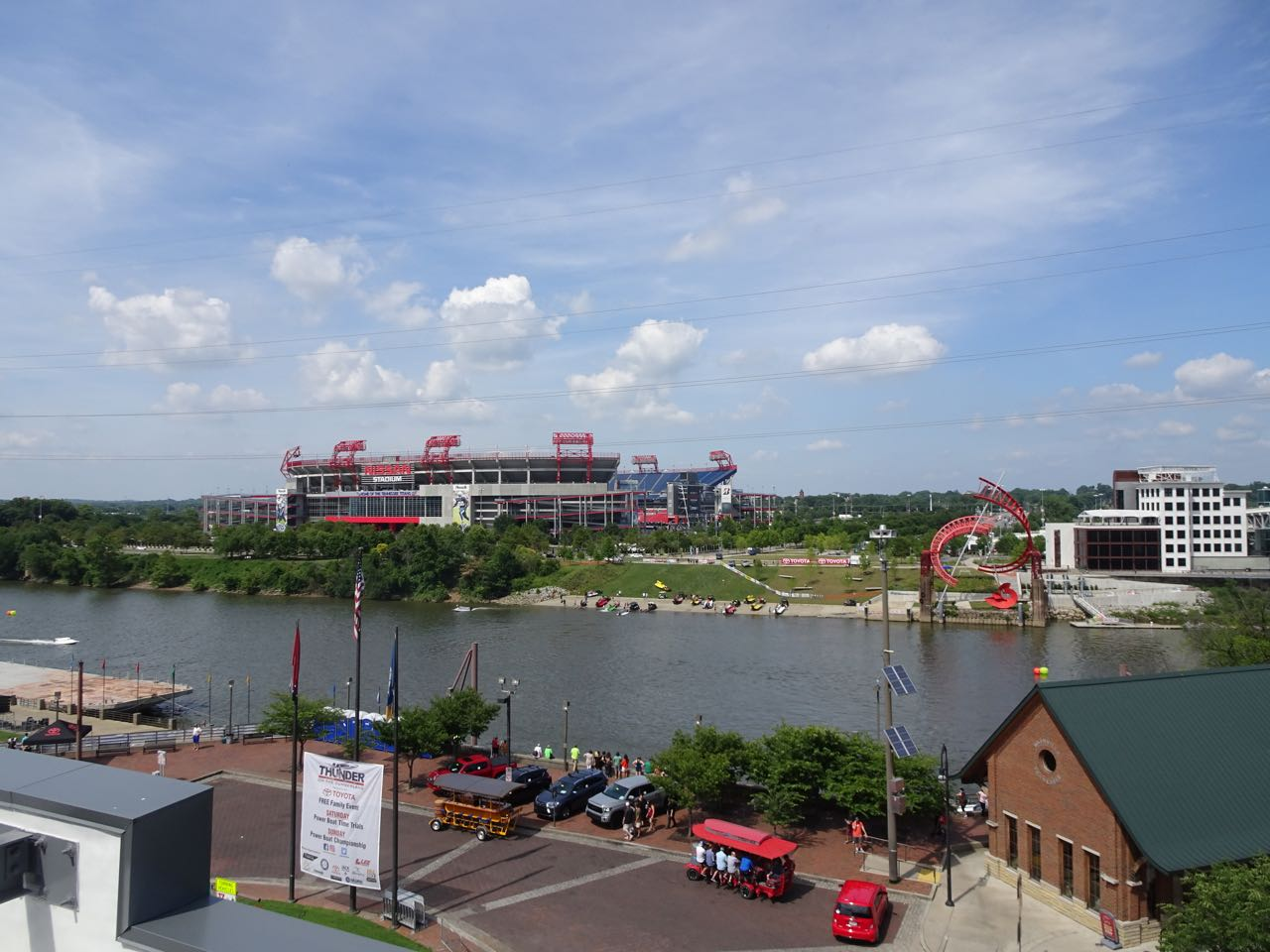 Cumberland River & Football Stadion