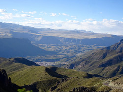 Blick auf Chivay und den Canyon