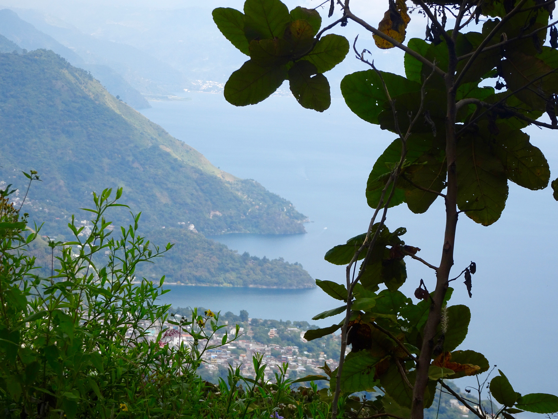Blick auf den Lago de Atitlan