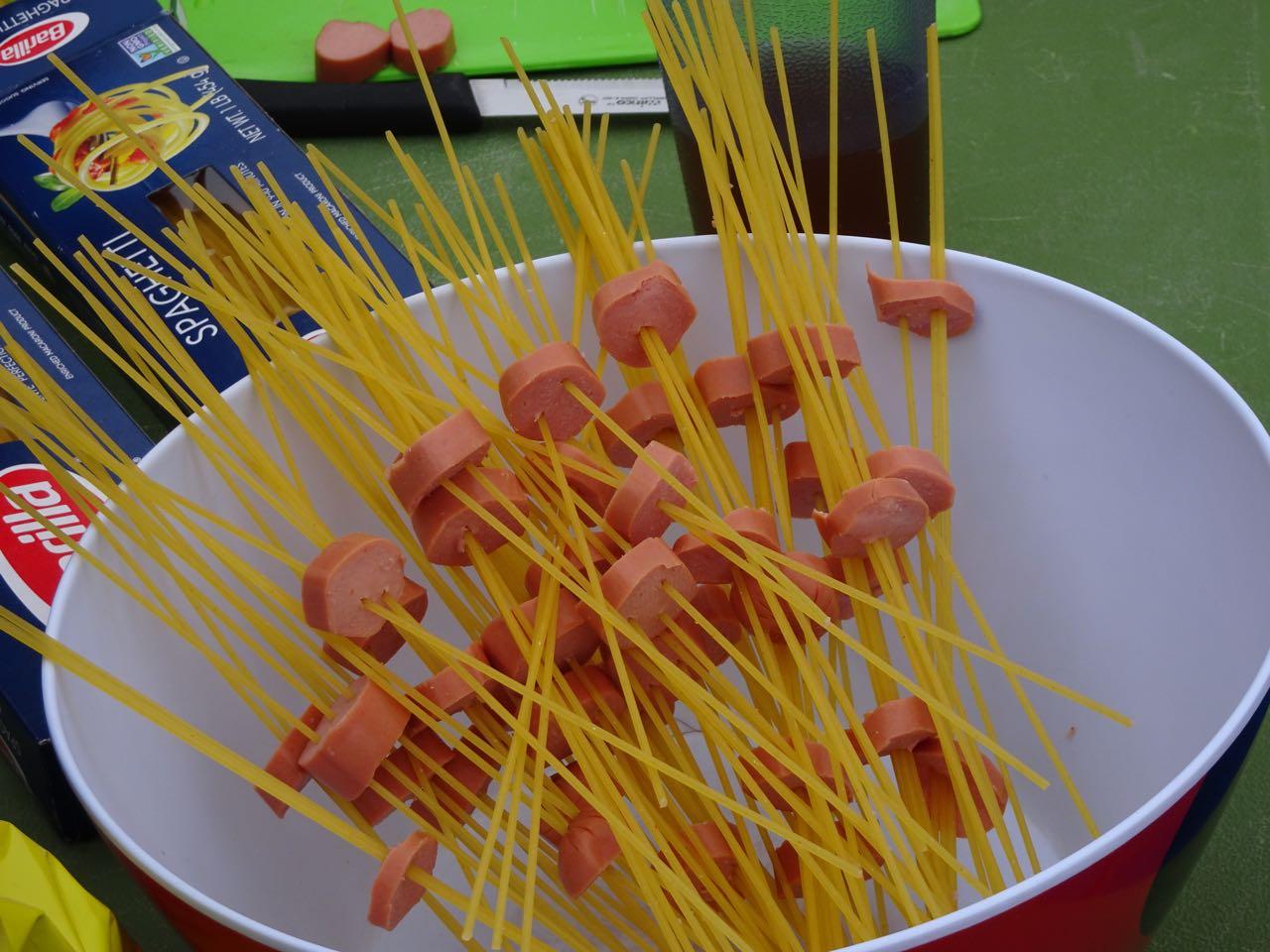 Spaghetti mit Wienerli-Redli