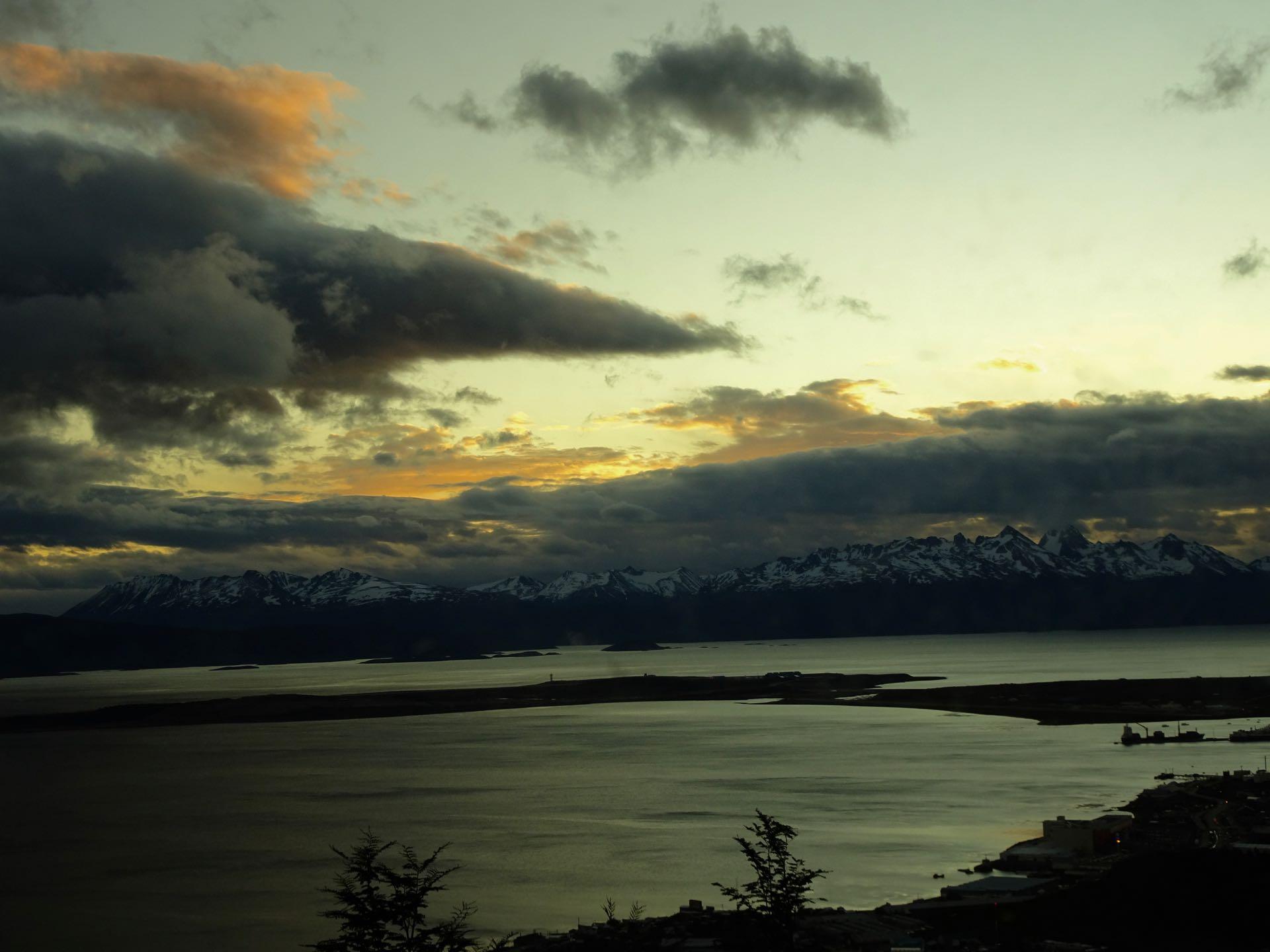 Dämmerung über Ushuaia