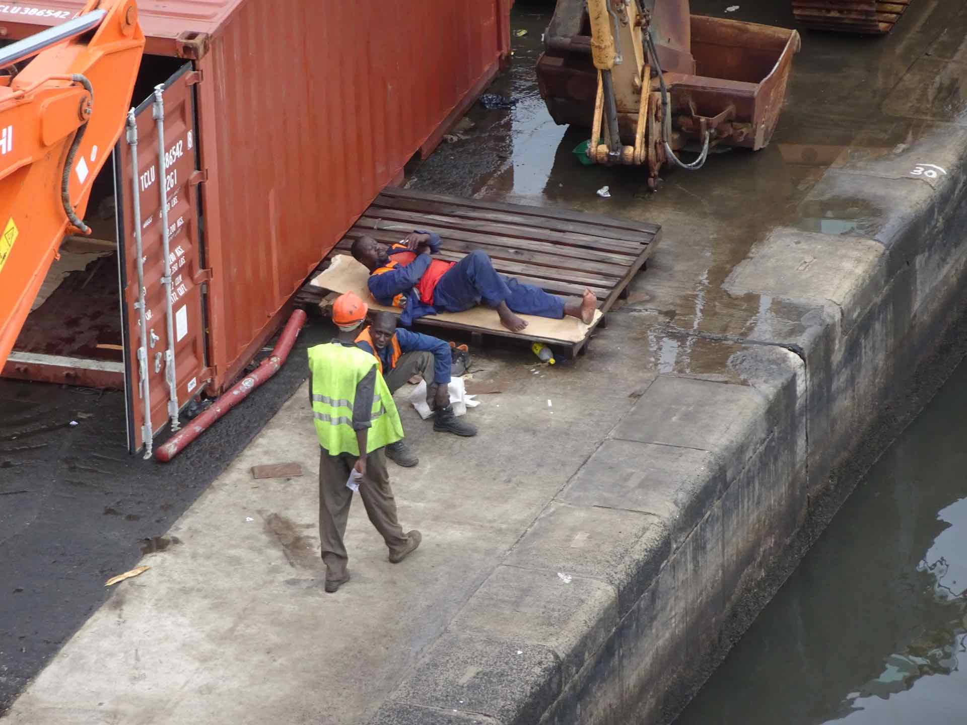 Hafenarbeiter in Dakar