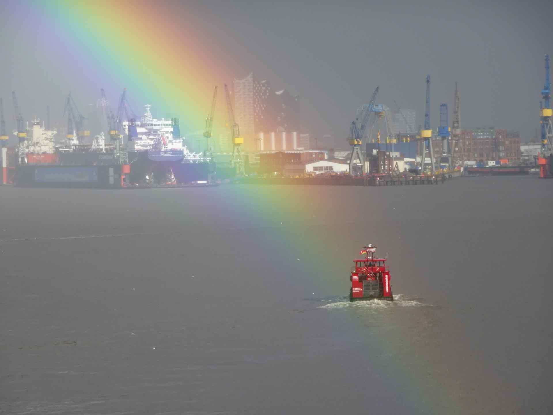 Regenbogen_über_Hamburg.jpg