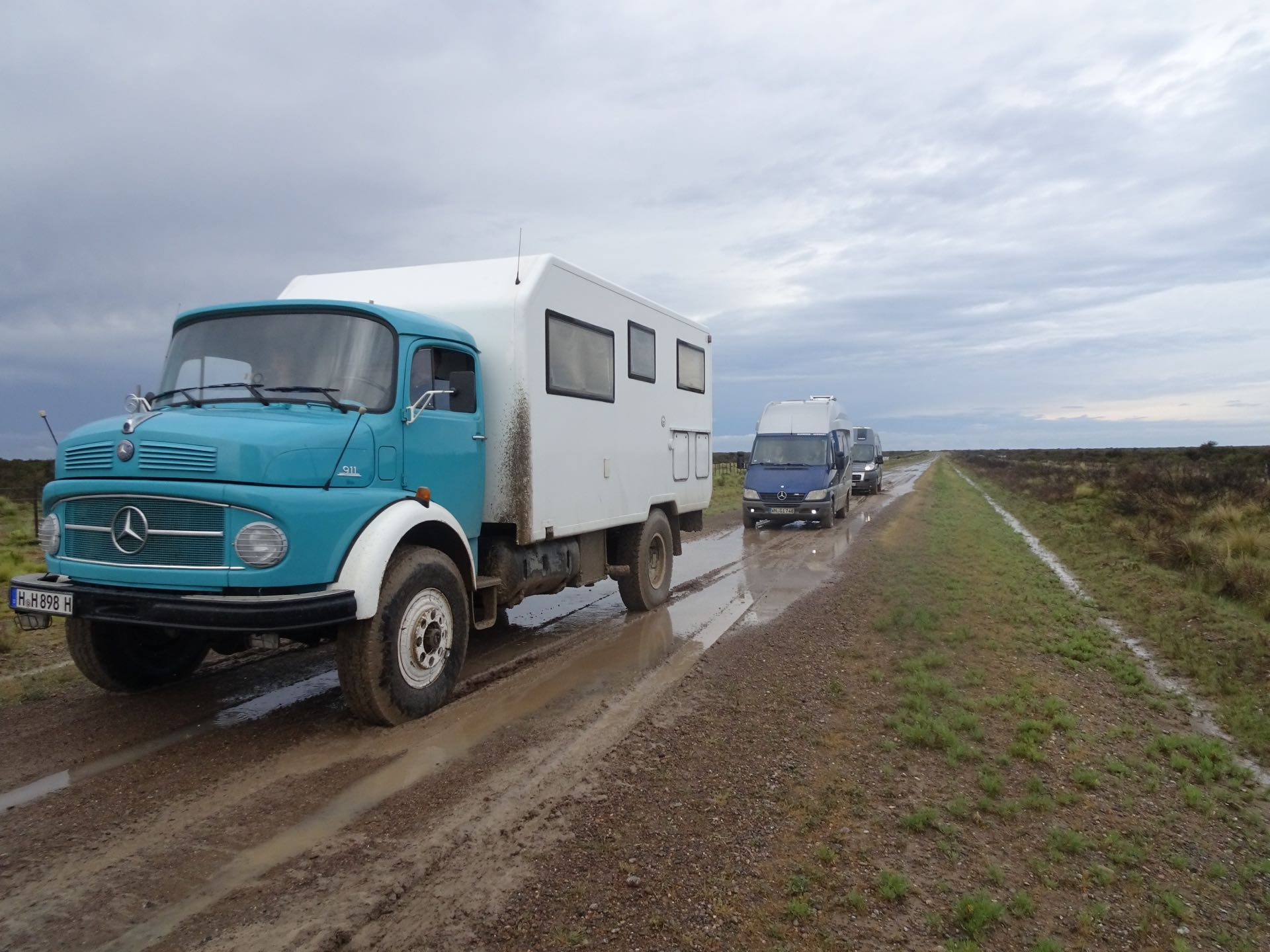 Schlammpiste nach Puerto Madryn.jpg