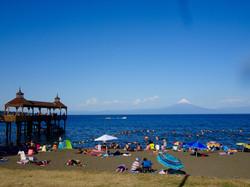 Frutillar Beach mit Osorno