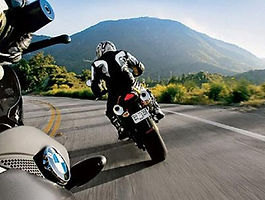 Tips-for-Riding-Motorcycles-on-the-Highways-8.jpg