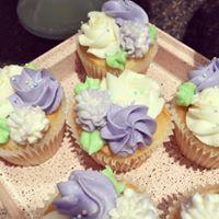 hydrangea cupcakes.jpg