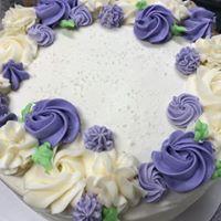 cake florals.jpg