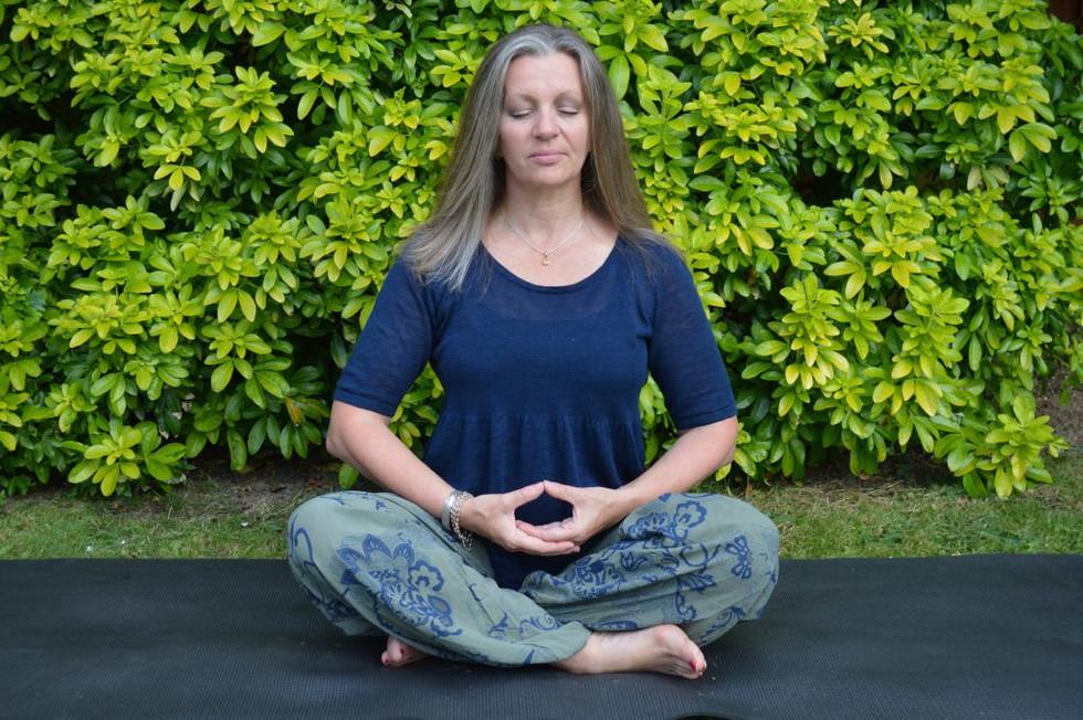 Dhyani Mudra: El mudra de la meditación