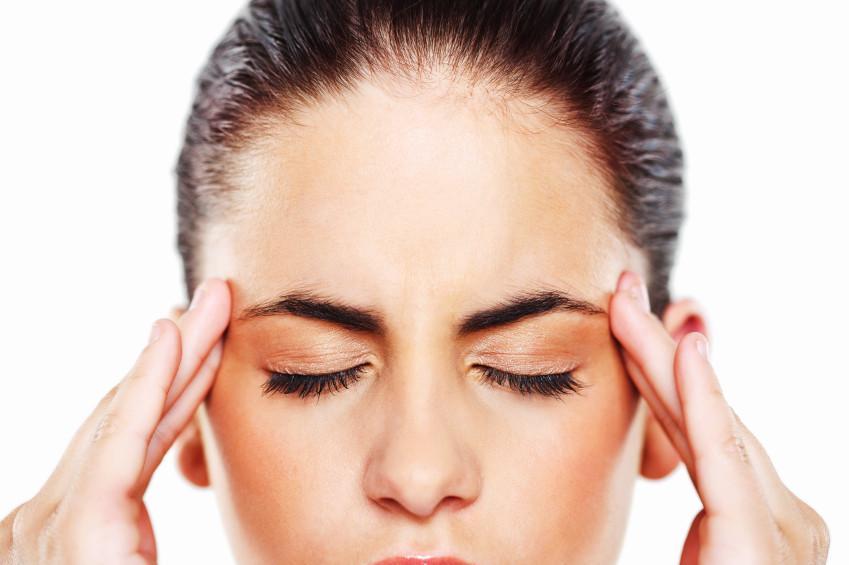Yoga para el dolor de cabeza: 3 posturas para sanarte