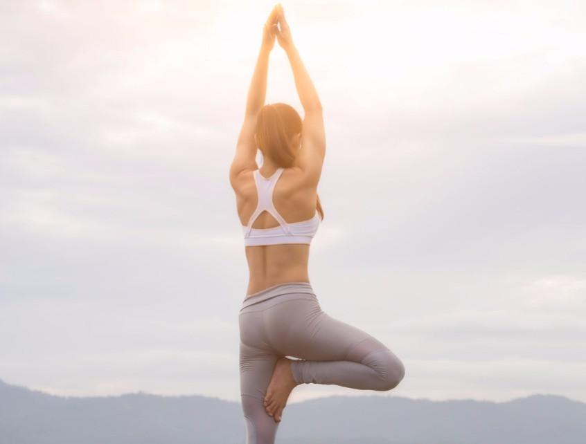 Yoga en casa: 5 poses de principiante que todos pueden hacer