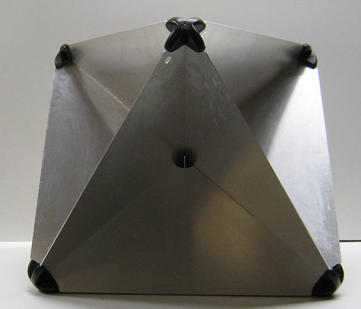 18_Octahedral_cropped.JPG.pagespeed.ce._