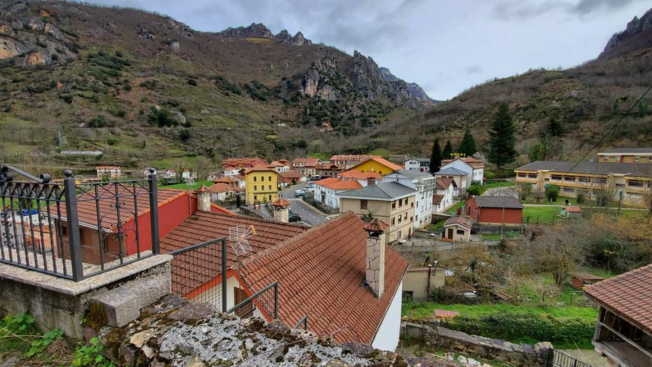 Pola de Somiedo and the hike to the first brañas (Somiedo pt1)