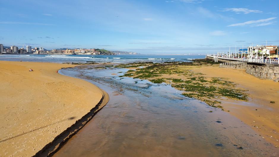 Going home (kind of): Xixón, Asturies (English)