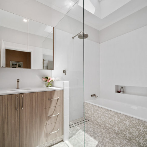 FLOREAT BATHROOM