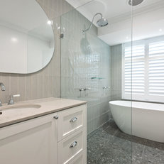 WOODVALE LAUNDRY + BATHROOM