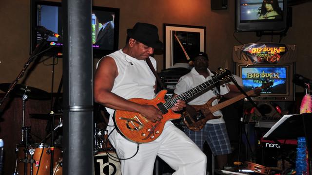 Syracuse Summer 2011 016.JPG