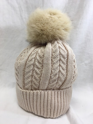 Knitted beanie with fur Pom lom