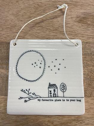 Square ceramic hanging plaque -  hug