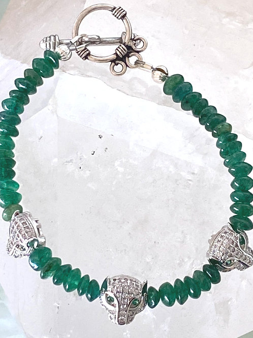 Delicate Emerald with 3 silver panther stations