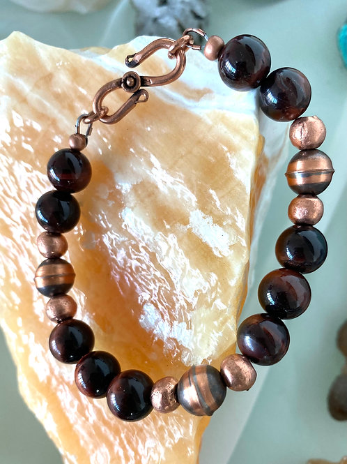 Red tiger's eye with copper beads and clasp unisex bracelet.