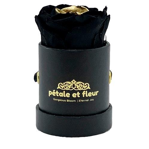 Single black color gold heart rose in black box