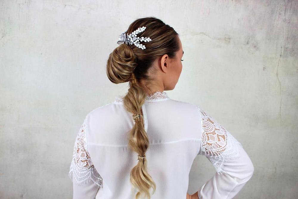 http://www.lourdessanz.com/product-page/tocado-de-novia-porcelana-capri