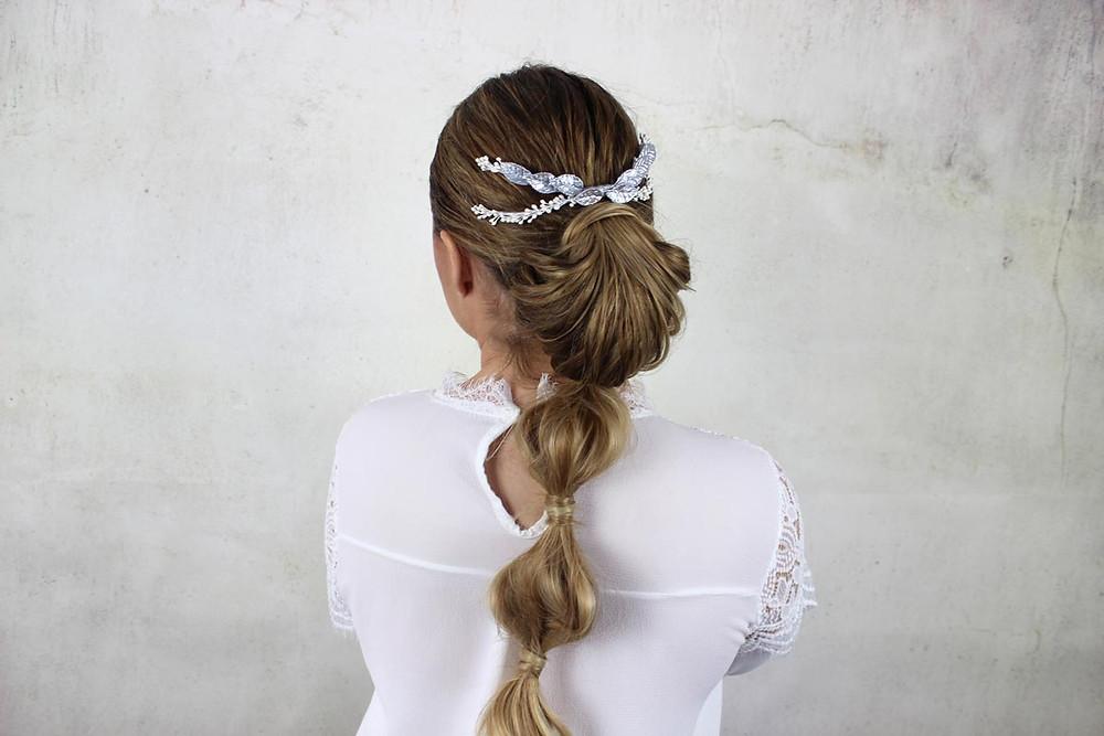 http://www.lourdessanz.com/product-page/tocado-de-novia-alice