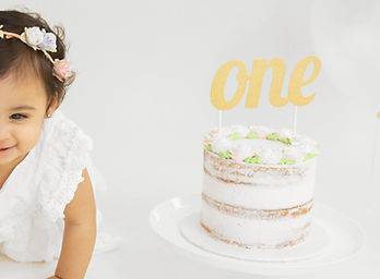 Leah_CakeSmash_WEsbiteSample.jpg
