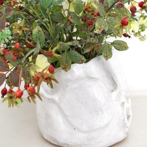 Face vase white