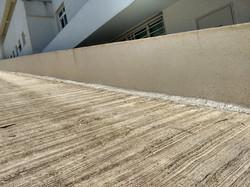 Laje de rampa de estacionamento com infiltrações
