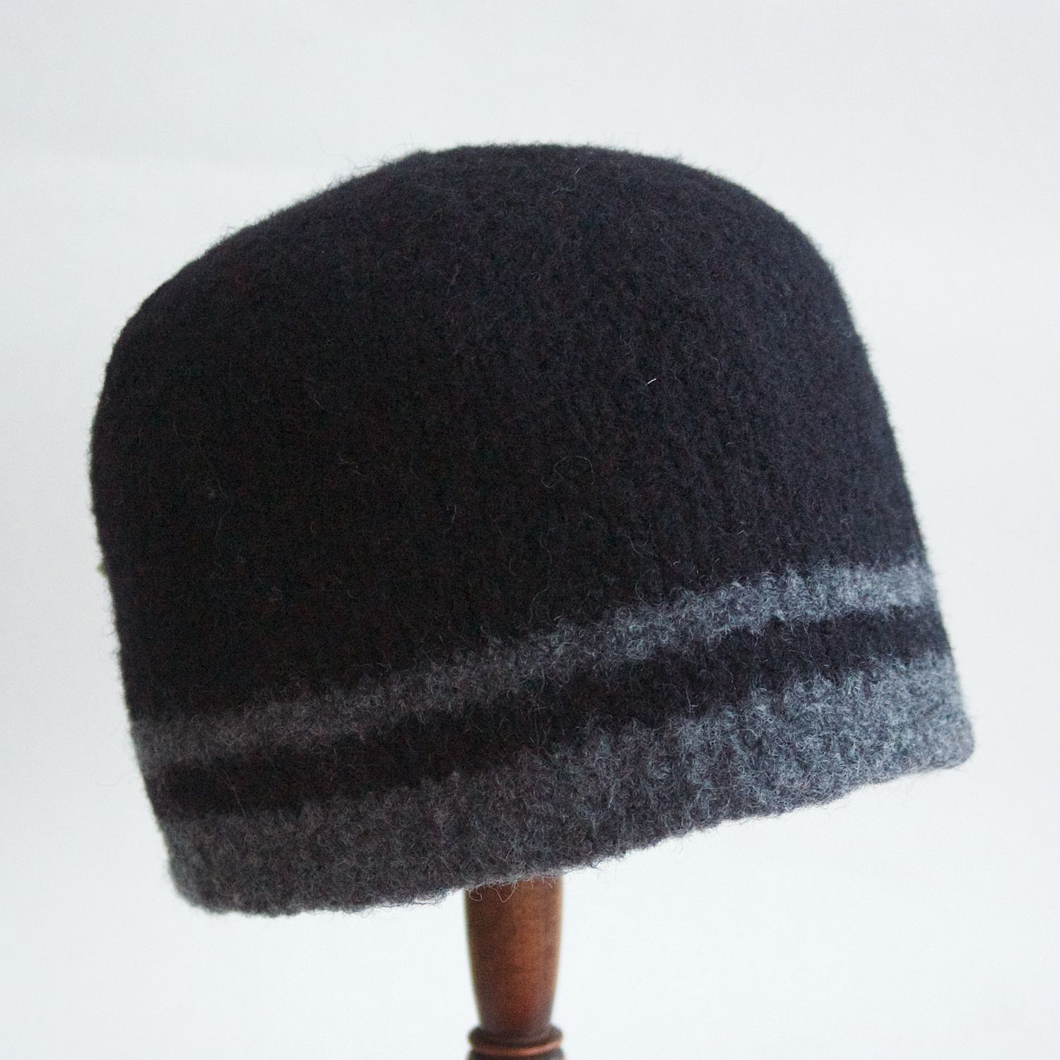 Lynn's Lids unisex striped Toque